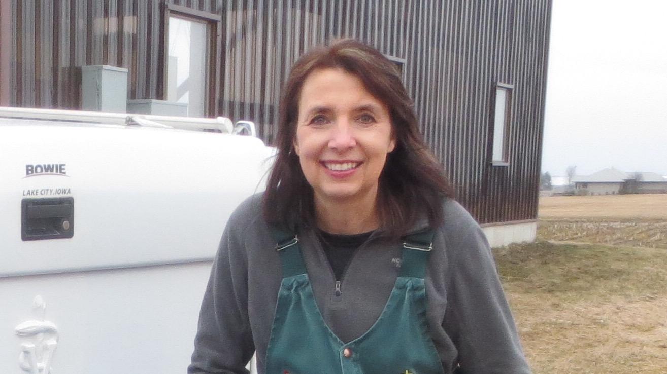 Dr. Carolyn Deegan - large animal veterinarian - Marshfield Veterinary Service - Marshfield, WI